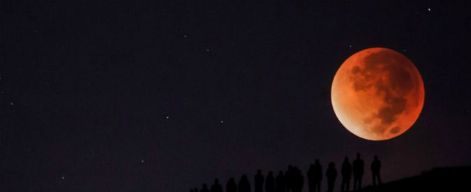 Superlune, eclissi e un cielo rosso fuoco: ecco gli eventi astronomici del 2018
