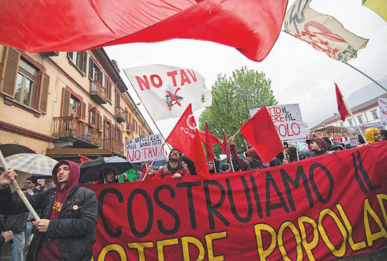 Non solo Tap: contestazioni, comitati e sindaci senza poteri