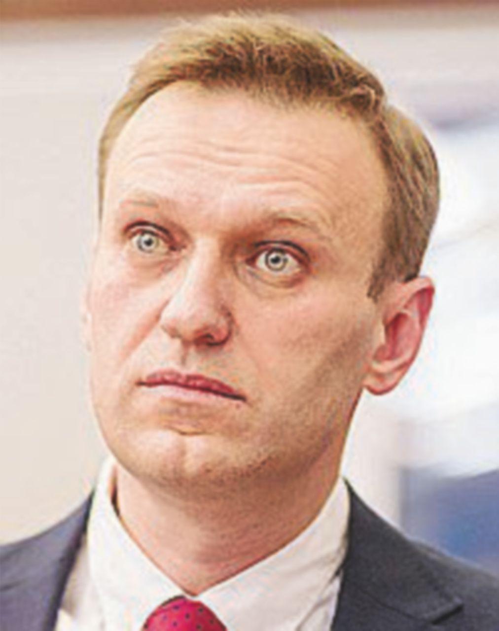 """Elezioni precluse a Navalny, lui  su Twitter: """"C…zo che sorpresa!"""""""