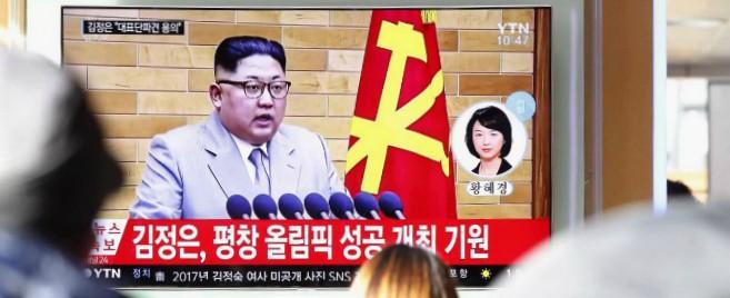 """Corea del Nord, Kim minaccia gli Usa anche nel messaggio di Capodanno: """"Pulsante nucleare è sulla mia scrivania"""""""