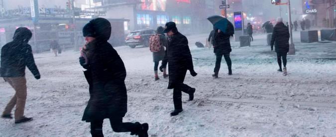 """Usa, """"ciclone bomba"""" sulla costa est: gelo polare e aeroporti in tilt. Jfk, sospesi tutti i voli. """"Meteo peggiorerà nel weekend"""""""
