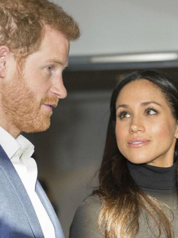 """Nozze reali, """"via i senzatetto per il matrimonio di Harry e Meghan"""". Bufera sui Windsor"""
