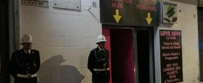 Catania, il sexy shop accanto alla lapide che ricorda l'omicidio di Pippo Fava
