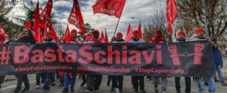 Castelfrigo, gli operai licenziati in sit-in da 3 mesi davanti ai cancelli. E l'azienda ha reintegrato i 52 che non hanno scioperato