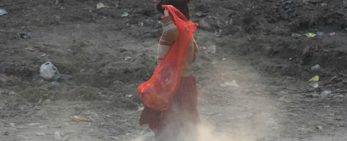 Pakistan, bambina rapita, stuprata e uccisa da uno sconosciuto. 12 casi solo nell'ultimo anno, scontri tra folla e polizia