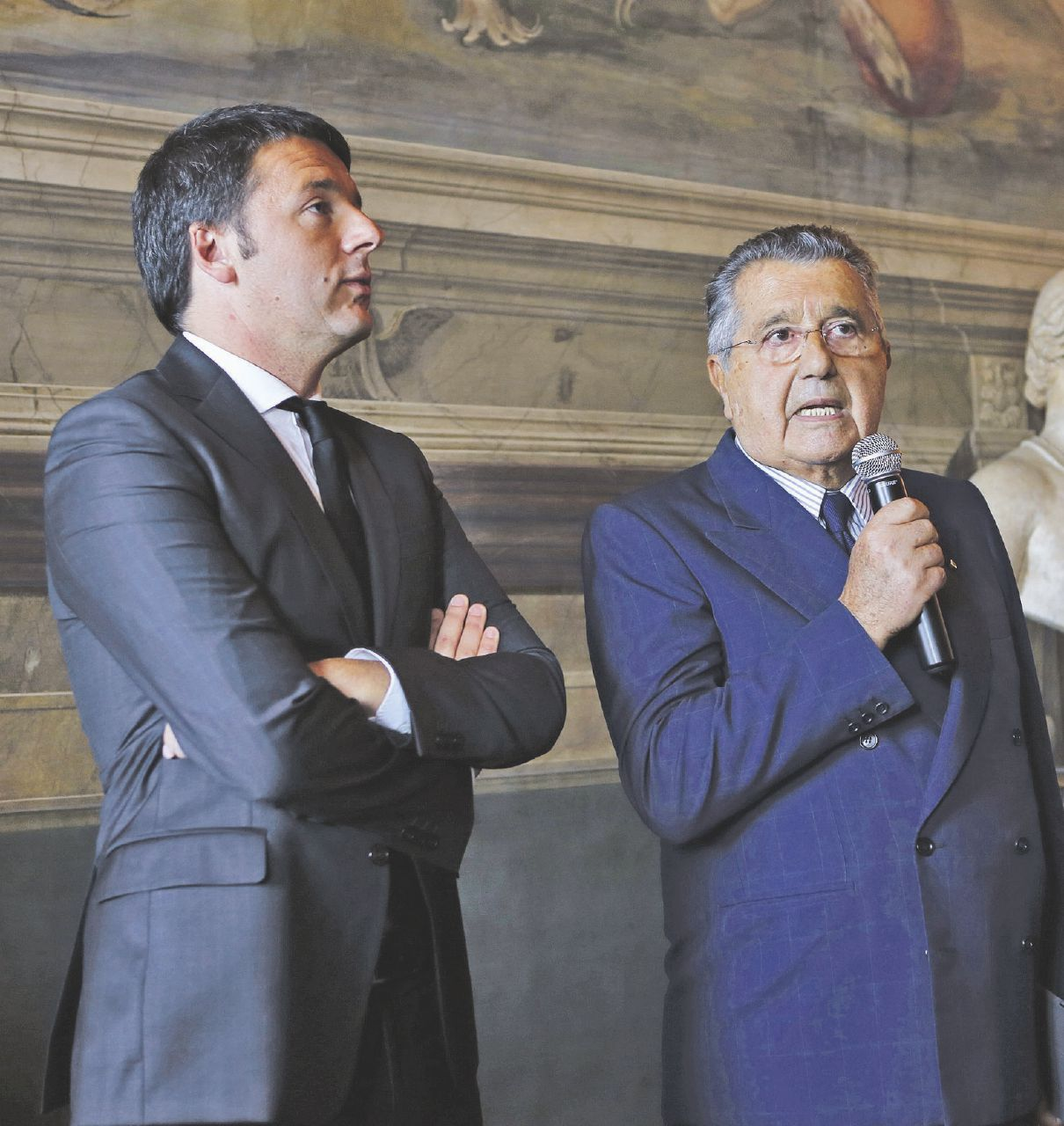 In Edicola sul Fatto dell'11 gennaio. Renzi&De Benedetti: le bugie che tutti fingono di non vedere