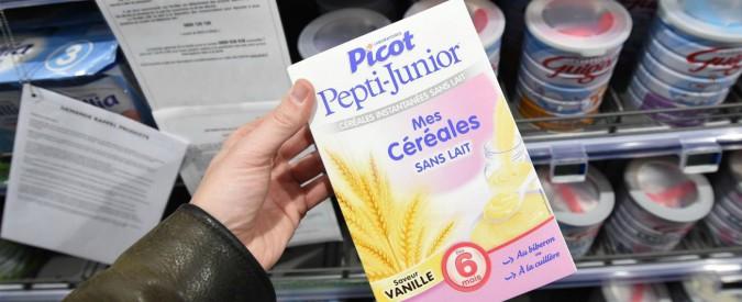 Lactalis, in Francia allarme salmonella nel latte per bebè. Prodotti rimasti in vendita nonostante il richiamo