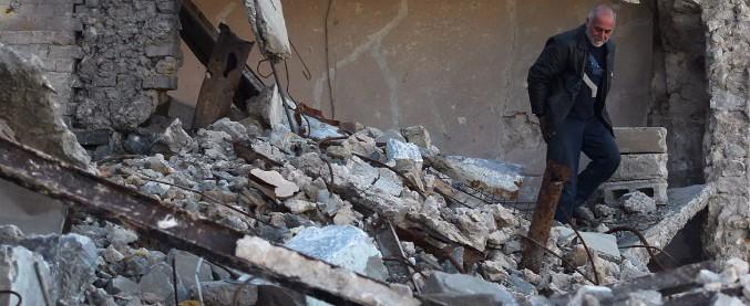 Iraq, 2.585 cadaveri di civili recuperati sotto le maceriedi Mosul. Operazione conclusa dopo 6 mesi dalla battaglia