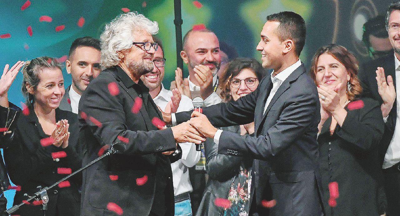 """Grillo: """"Basta con le fake news. Io il Movimento non lo lascio"""""""