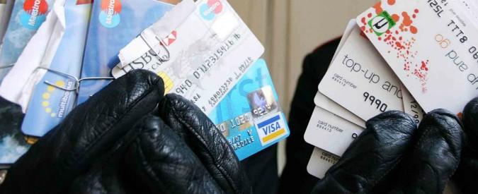 Carte di credito, arriva il tetto alle commissioni. E c'è divieto di aumentare i prezzi a seconda dello strumento usato
