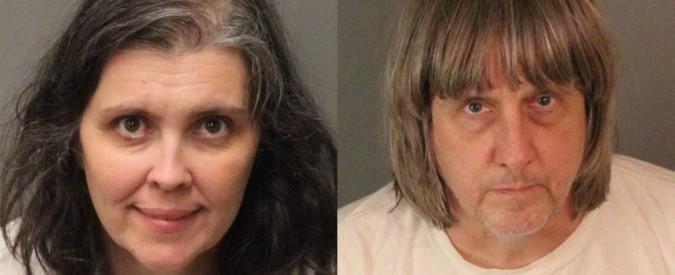 """California, coppia teneva segregati in casa i 13 figli. """"Tenuti al buio e legati al letto con catene e lucchetti"""""""