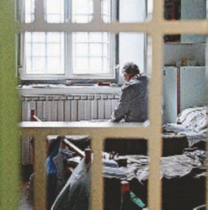 """""""Troppo malato per il carcere"""" Ma resta lì:  non c'è posto"""