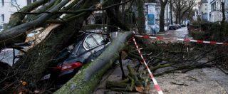 Maltempo, l'uragano Friederike flagella il Nord Europa: sette morti, voli cancellati e traffico ferroviario in tilt