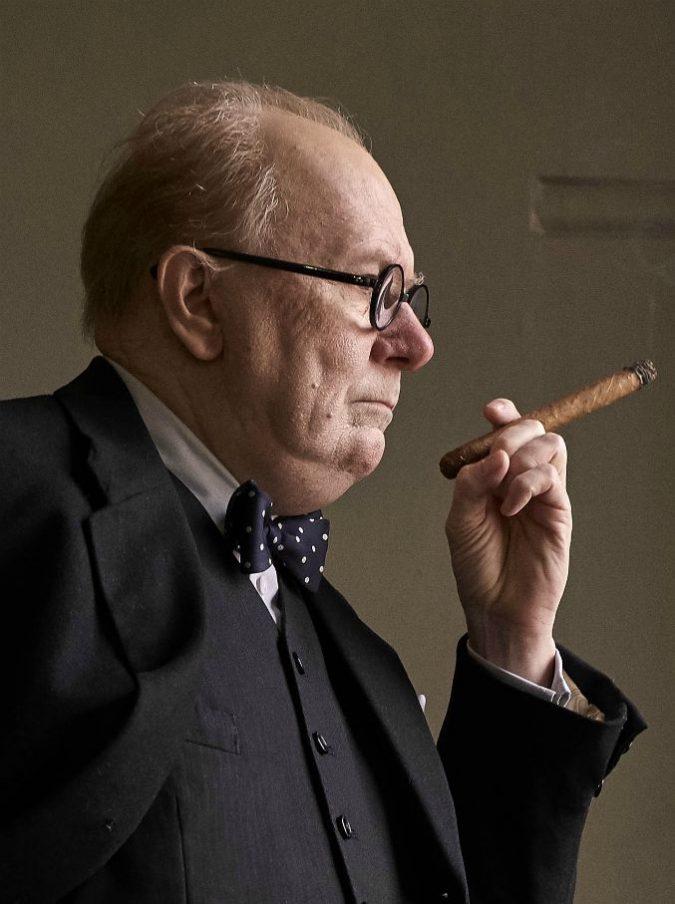 L'ora più buia, Gary Oldman è Winston Churchill. Joe Wright dirige il film sulla Resistenza britannica al nazismo