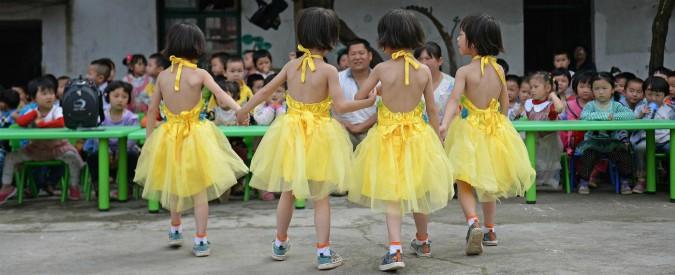 Cina, il Paese più popoloso al mondo continua a invecchiare: la fine del figlio unico non sostiene le nascite
