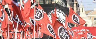 Livorno, militante di CasaPound aggredito nella notte mentre attaccava manifesti: rischia di perdere un occhio
