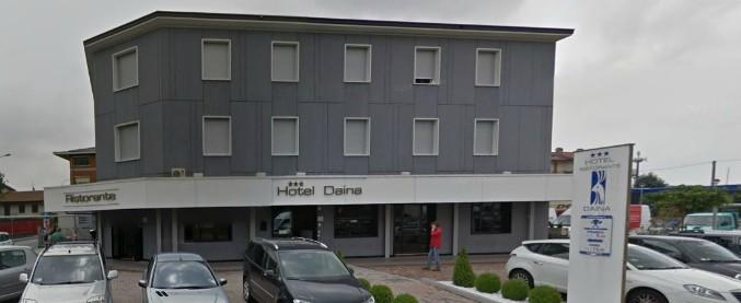 Dalmine, donna uccisa con un colpo di pistola in un hotel: si è costituito un 62enne