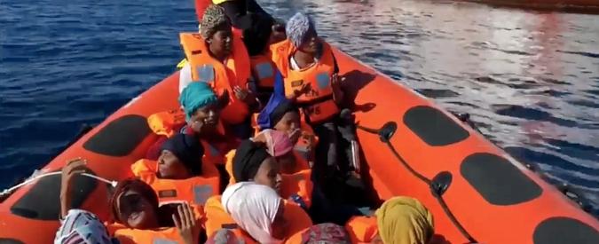 Migranti, naufragio nel Mar Egeo: almeno 16 persone annegate. Tra loro 4 bimbi