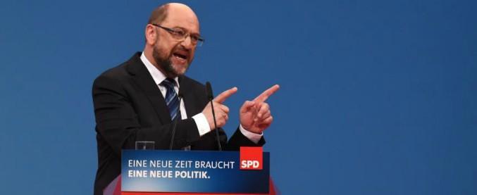 Germania, socialdemocratici dicono sì alla Grosse Koalition: vince la linea Schulz. Ora i negoziati con l'Unione di Merkel