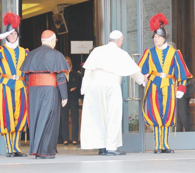 Corvi, cavalieri neri e antipapi: Chiesa sull'orlo dello scisma