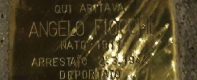 """Giorno della Memoria, danneggiata a Milano la pietra d'inciampo in ricordo di Angelo Fiocchi. Pd: """"Oltraggio gravissimo"""""""