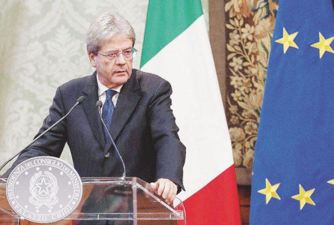 Adesso Gentiloni fa il Renzi: nuova campagna da premier