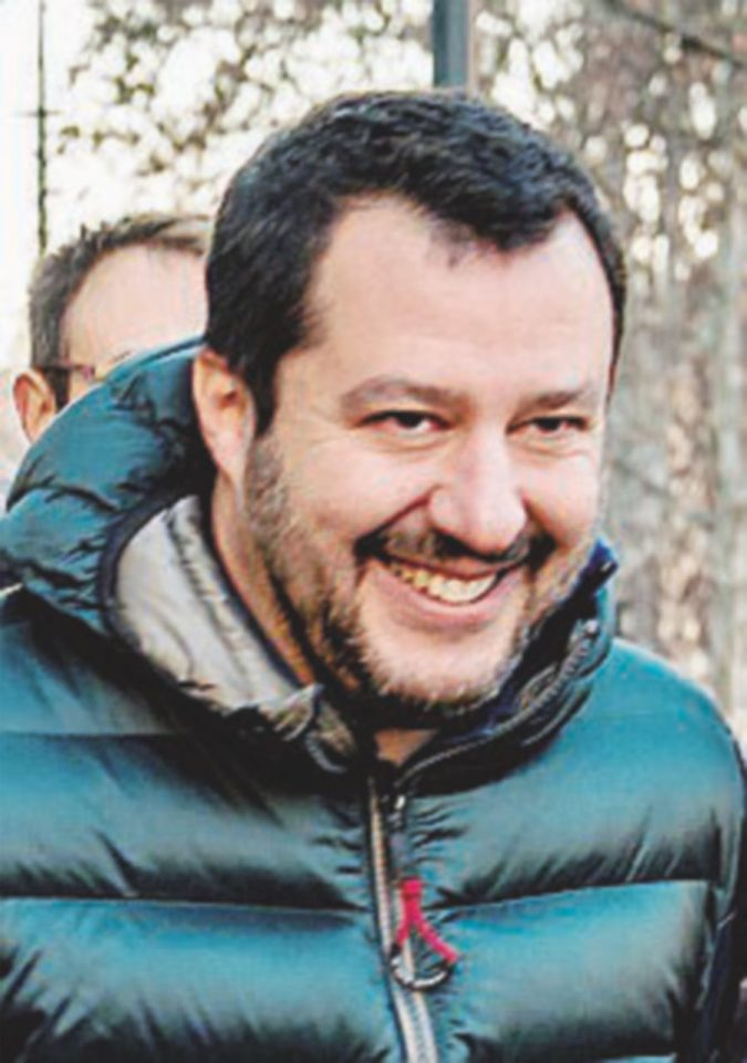 """Il segretario della Lega: """"Il leader di FI al Colle? Interessante"""""""