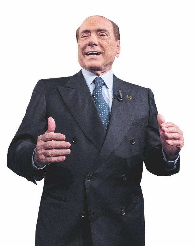"""Rieccolo, l'Europa riabilita Berlusconi: """"Il Ppe sta con lui"""""""