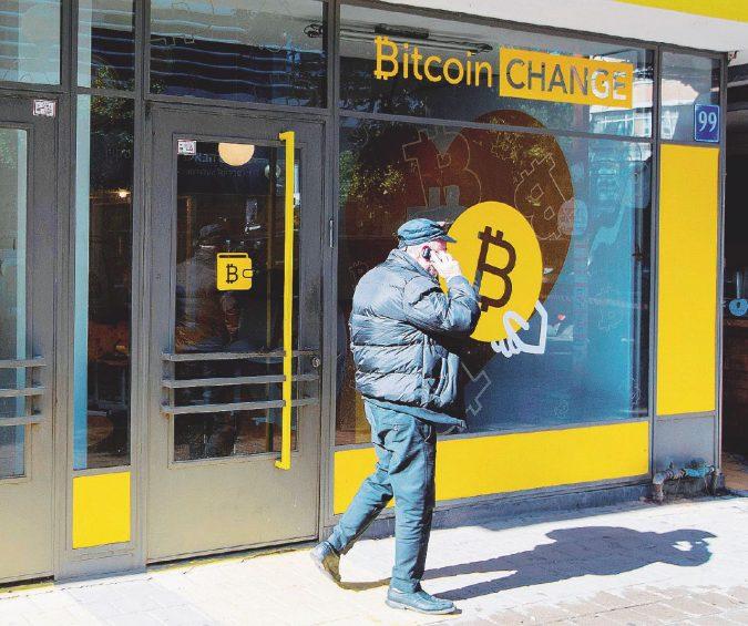 Truffe e lavoro nero, così i criminali sfruttano i Bitcoin