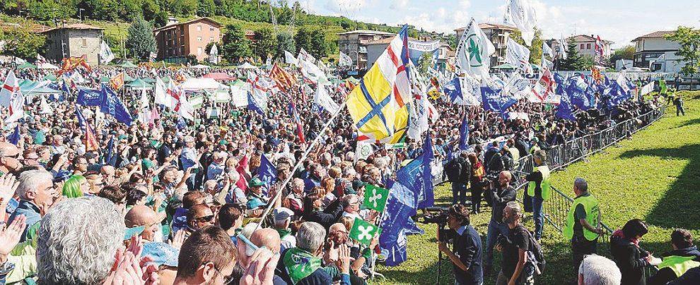 """Lega, Salvini schiera il """"partito parallelo"""" per seppellire il vecchio Carroccio su cui pendono sequestri e confische"""