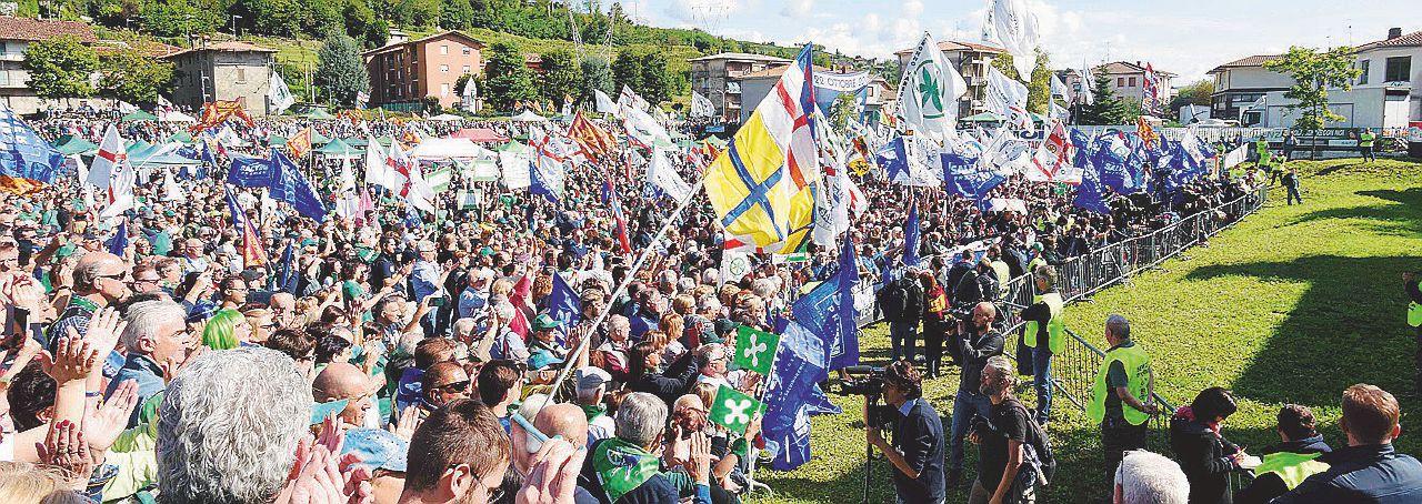 """In Edicola sul Fatto del 24 gennaio: Salvini schiera il """"partito parallelo"""""""