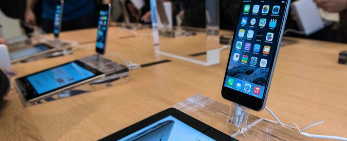 """Apple, multa da 1 miliardo di euro a Qualcomm: """"Pagava Cupertino per non usare altri fornitori"""""""