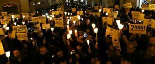 """""""Verità per Giulio Regeni"""", l'accensione delle fiaccole di Amnesty davanti a Montecitorio"""