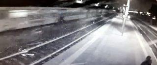 Incidente Pioltello, scintille dal treno prima del deragliamento. Telecamere della stazione riprendono il passaggio