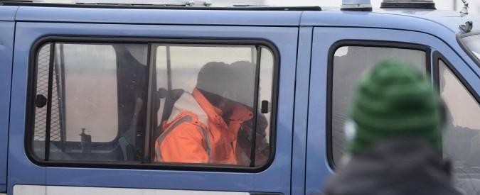 Incidente ferroviario di Pioltello, 4 operai di Rfi sorpresi al lavoro nell'area sotto sequestro: denunciati per violazione sigilli