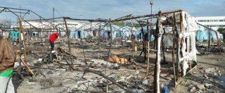 Rosarno, incendio nella tendopoli dei migranti: morta una donna, due feriti. Almeno 600 rimasti senza alloggio