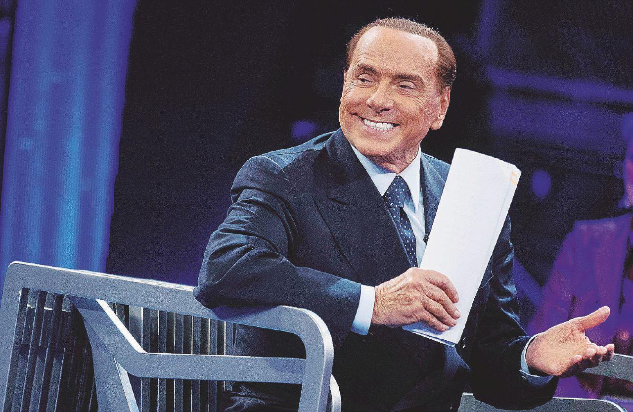 In Edicola sul Fatto Quotidiano del 29 gennaio: Ultima notte per completare le liste di Forza Italia, già piene di indagati, imputati e Papi Girl