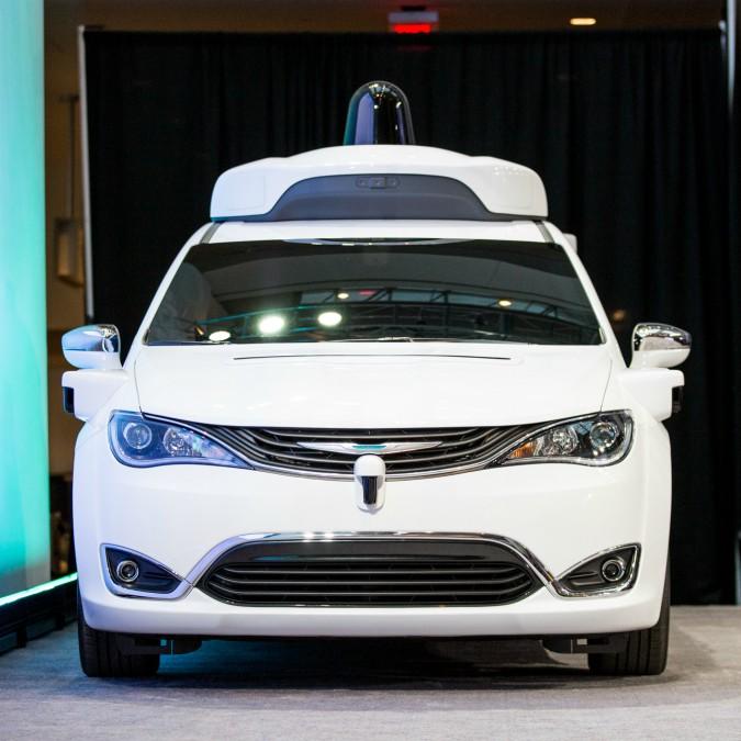 Fca fornirà a Waymo altre migliaia di auto a guida autonoma