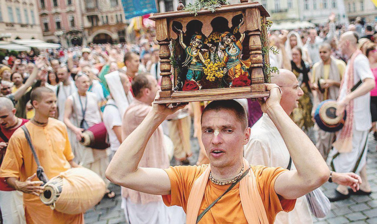 """Hare Krishna senza pace """"Discriminati dai politici"""""""