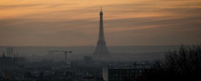 Parigi combatte 'l'inquinamento, non le auto'. Roma ancora in alto mare