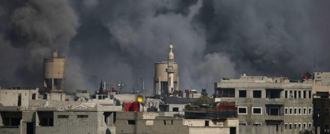 Siria, gli Usa bombardano le truppe di Assad: 100 morti. Raid del regime sulla Ghouta fanno 180 vittime, molti bambini