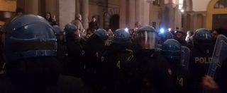 Macerata, Forza Nuova viola divieto del questore: cariche della polizia contro manifestanti