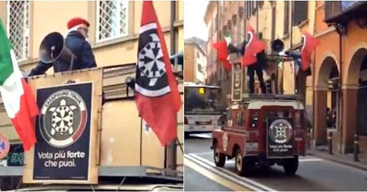 Elezioni, il surreale comizio del candidato di Casapound a Bologna: lo segue solo un ciclista (che però lo insulta)