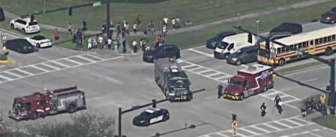 """Florida, sparatoria nel campus, """"almeno 17 morti"""". L'autore, fermato, è un ex studente"""