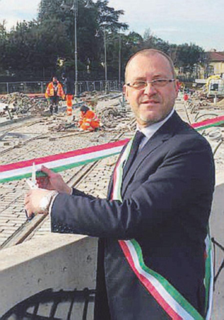La Lega sbeffeggia il sindaco e inaugura la tramvia che non c'è