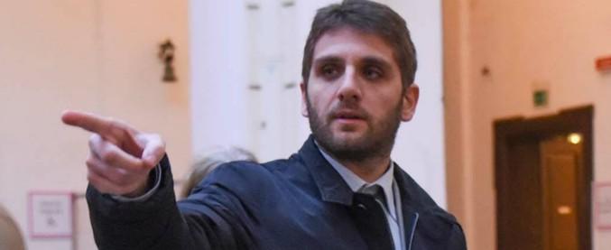 Salerno, Roberto De Luca si dimette da assessore al Bilancio durante la convention Pd