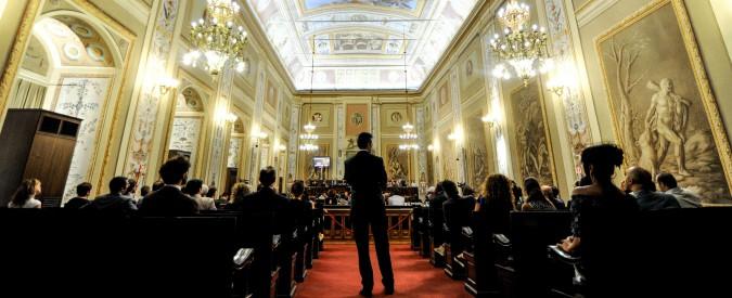 """Sicilia, M5s: """"L'Ars costa mille euro al minuto e 137 milioni all'anno. Più della Casa Bianca. Lavora 20 ore al mese"""""""