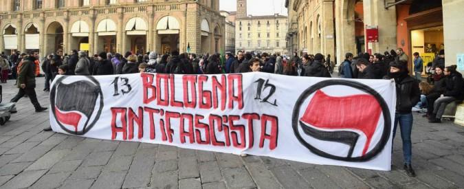 Bologna, comizio di Forza Nuova: in migliaia al presidio antifascista. Scontri con la polizia