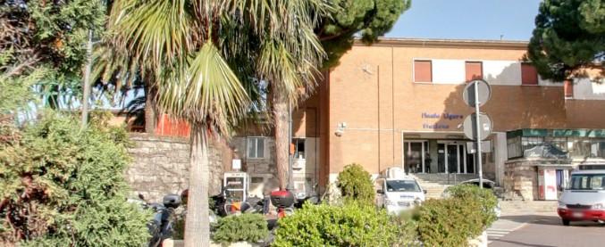Liguria, si siede sul marciapiede in stazione: ragazzo di 21 anni travolto e ucciso da un treno merci