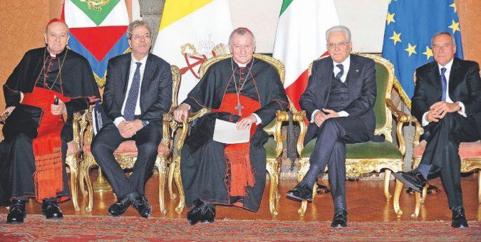 Il governo costretto alle scuse per far pace con vescovi e Curia